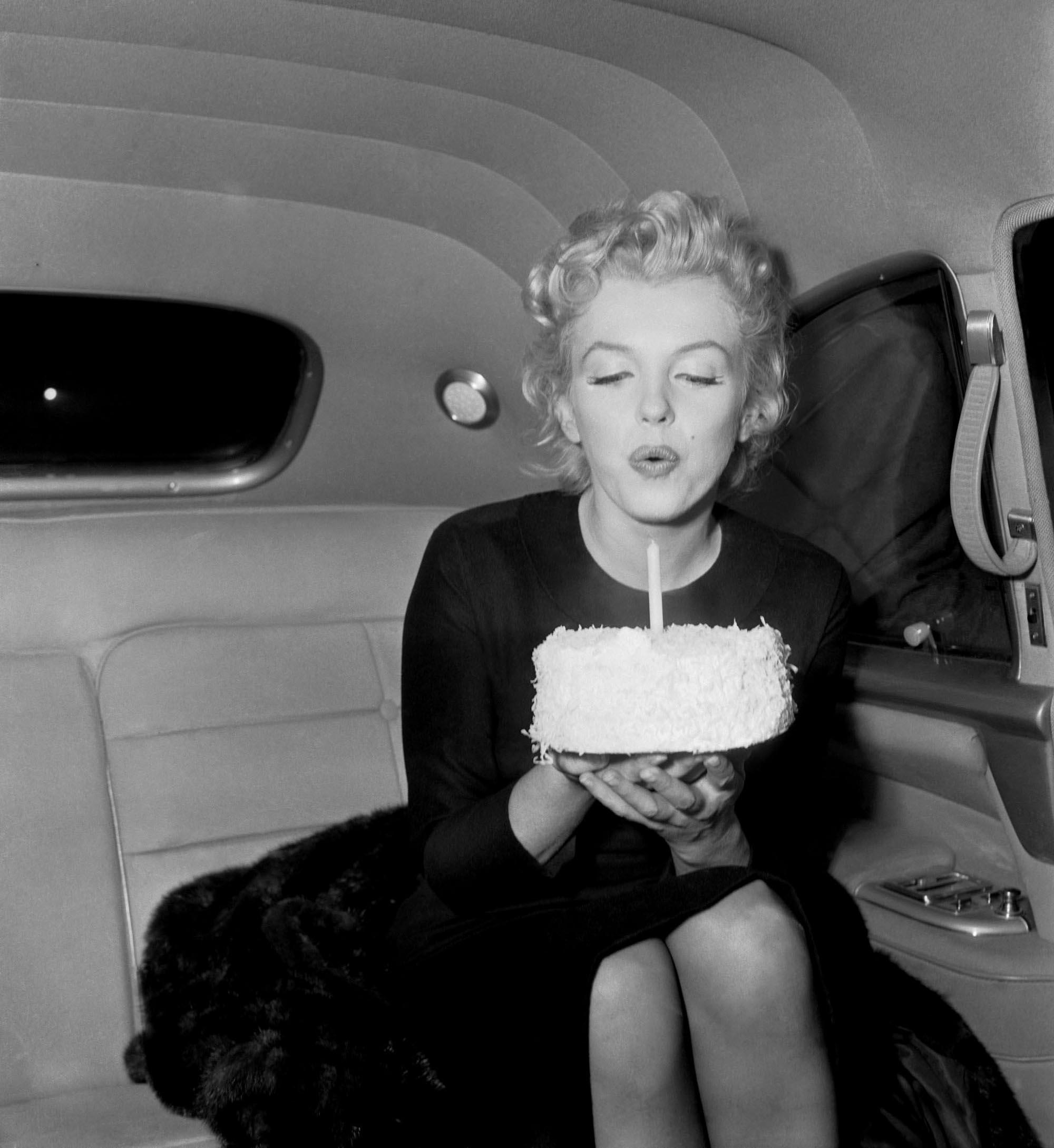 Marilyn Monroe ~ Birthday Cake