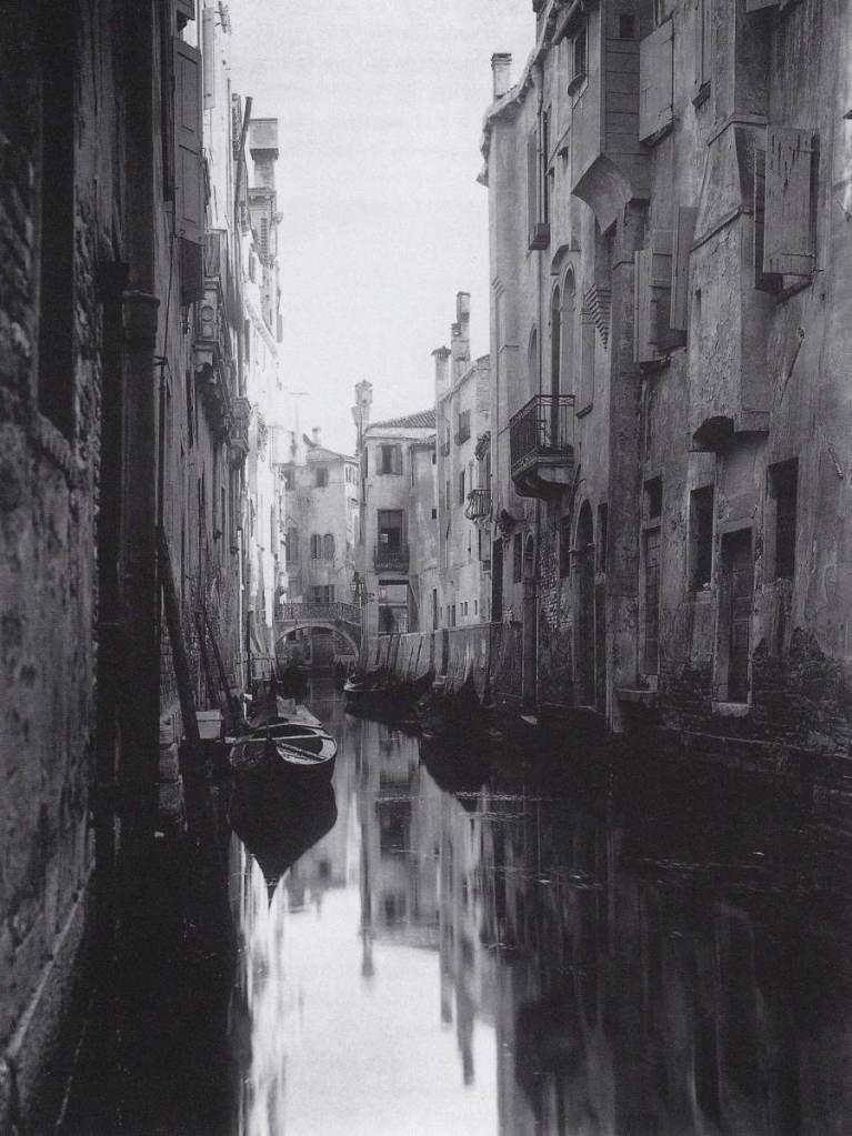 Alfred Stieglitz - A Venetian canal - 1894