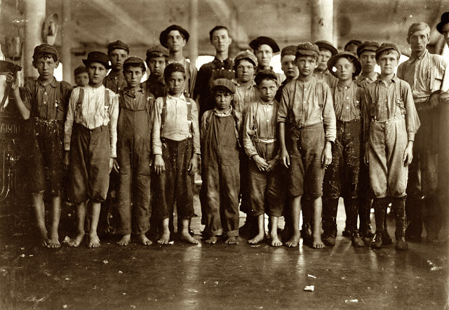 Lewis Hine - Labout children - 3