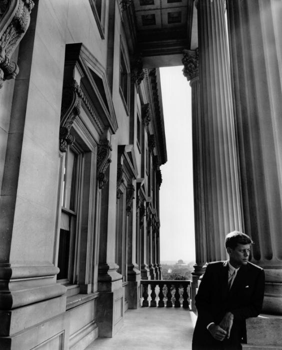 arnold-newman-president-john-f-kennedy-washington-DC-1953-portrait
