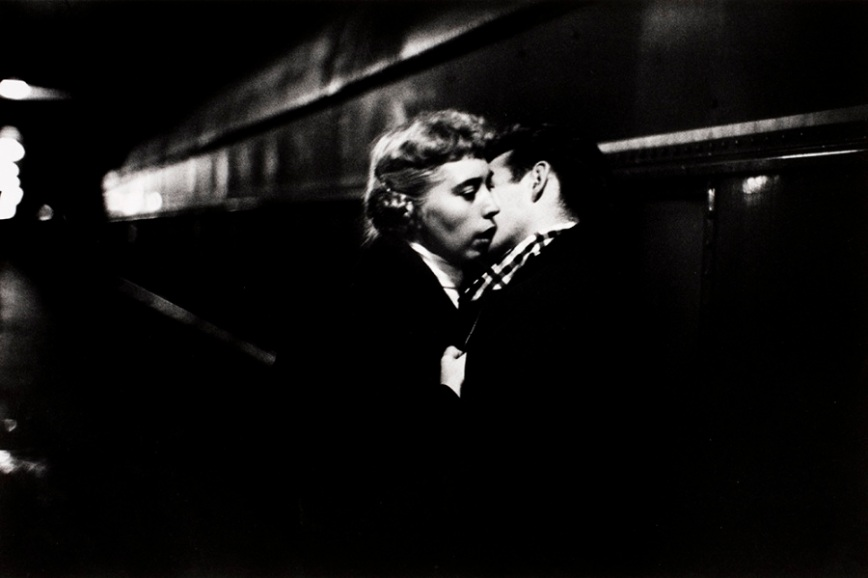 Ernst Haas - The kiss