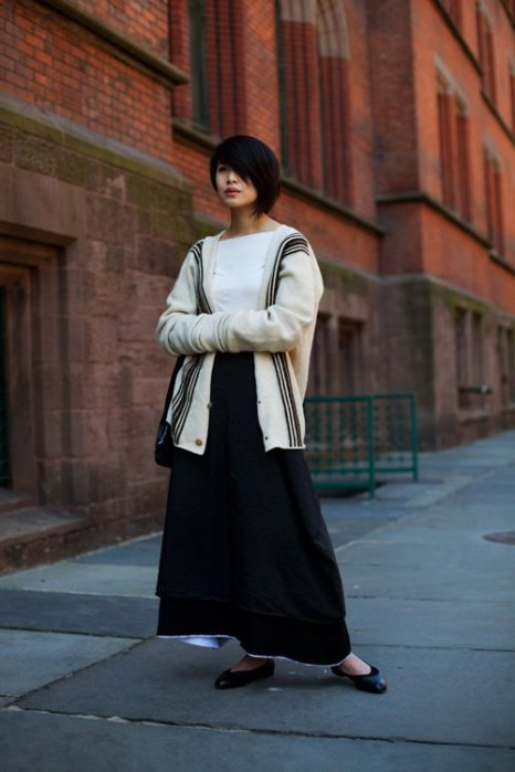 the-sartorialist-blog-april-white-jacket-girl-new-york