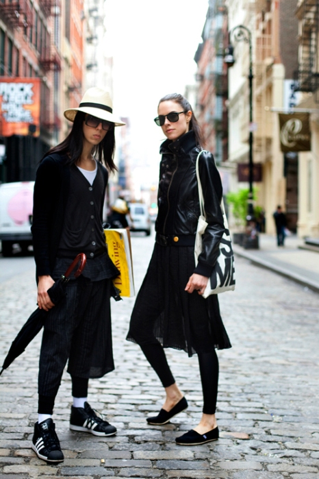 the-sartorialist-blog-august-girls-in-black-new-york