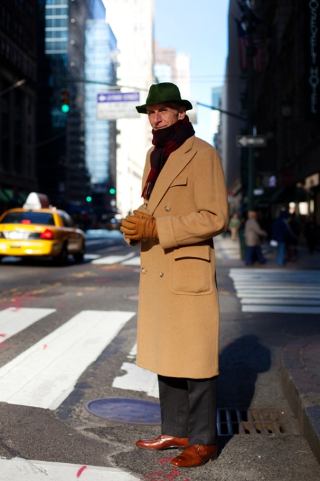 the-sartorialist-blog-december-trenchcoat-guy-new-york