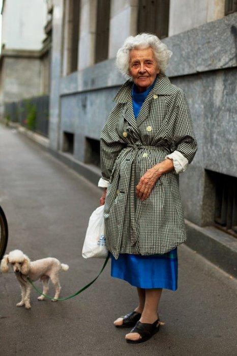 the-sartorialist-blog-june-grandma-trenchcoat-poodle-milan