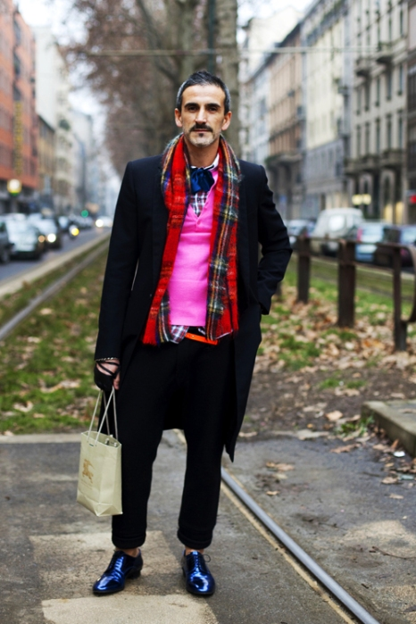the-sartorialist-blog-march-magenta-guy-milan
