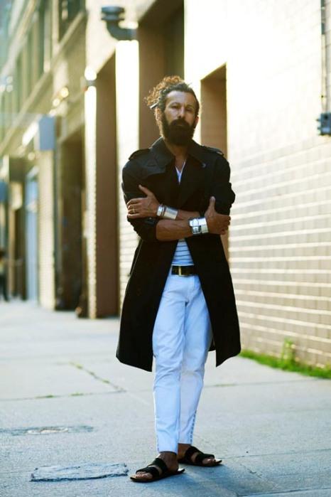the-sartorialist-blog-november-black-coat-guy-burberry