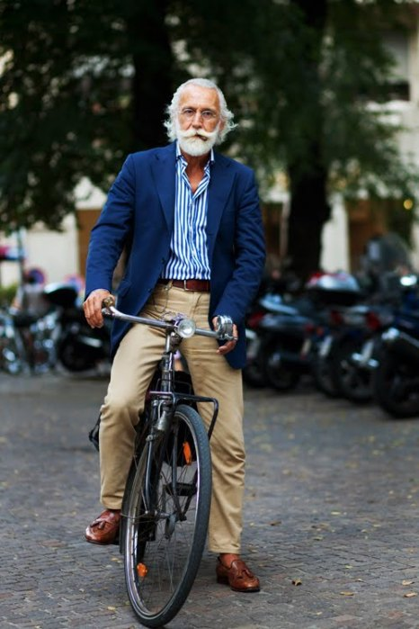 the-sartorialist-blog-september-blue-jacket-bike-gentleman-milan