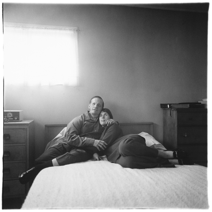 Diane Arbus - A blind couple at their bedroom