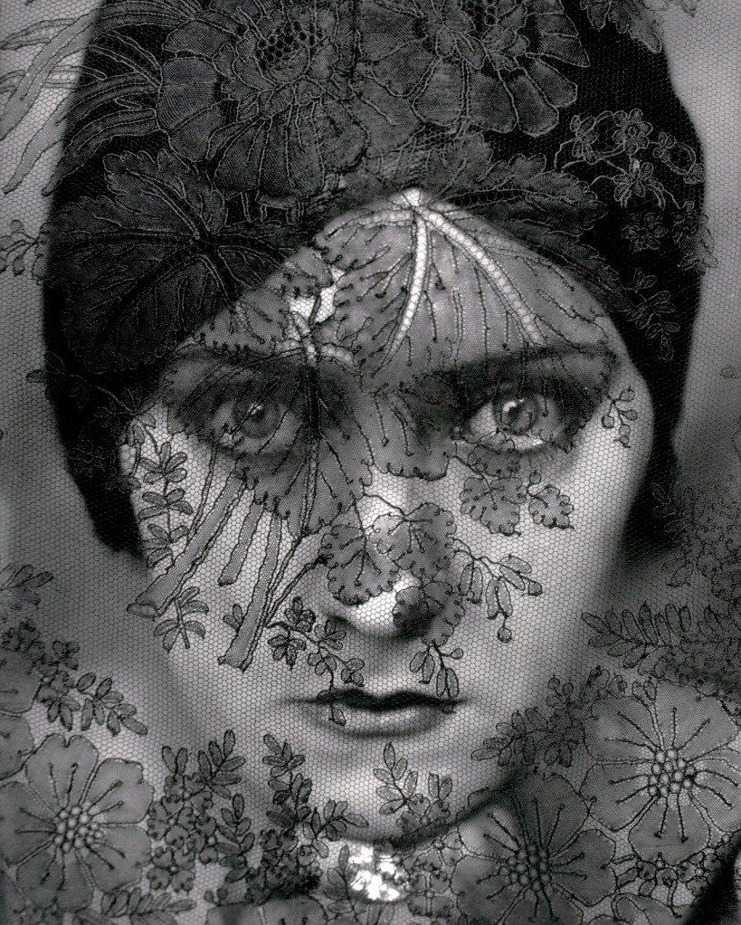 edward-steichen-actress-gloria-swanson-portrait