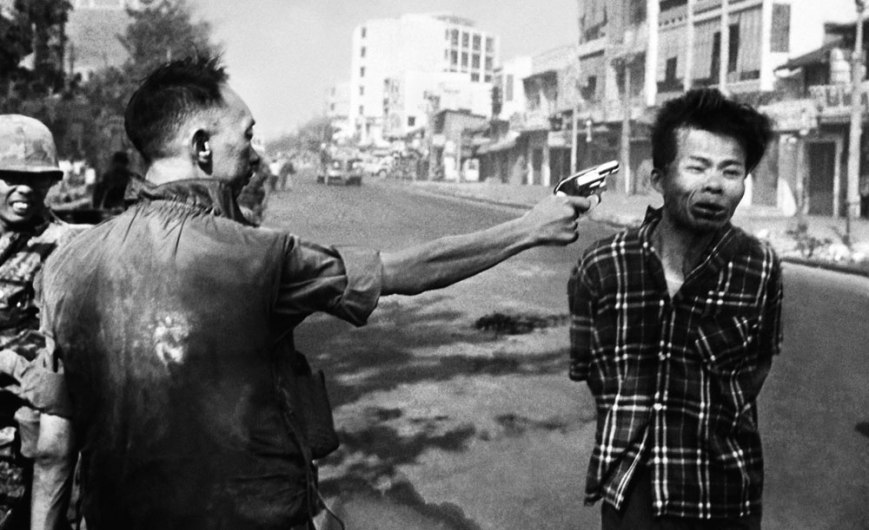 Street execution of a Viet Cong prisioner - by Eddie Adams