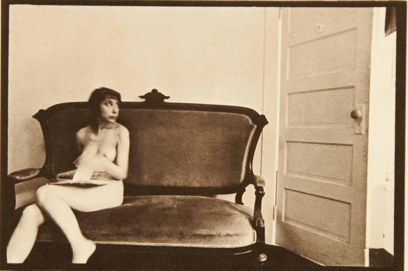 Duane Michals - La femme a peur de la porte - 4