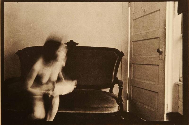 Duane Michals - La femme a peur de la porte - 5