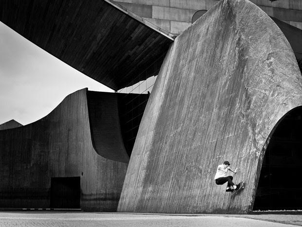 Fabiano Rodrigues skateboard_selfportraits-4