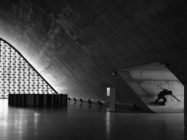 Fabiano Rodrigues skateboard_selfportraits-7