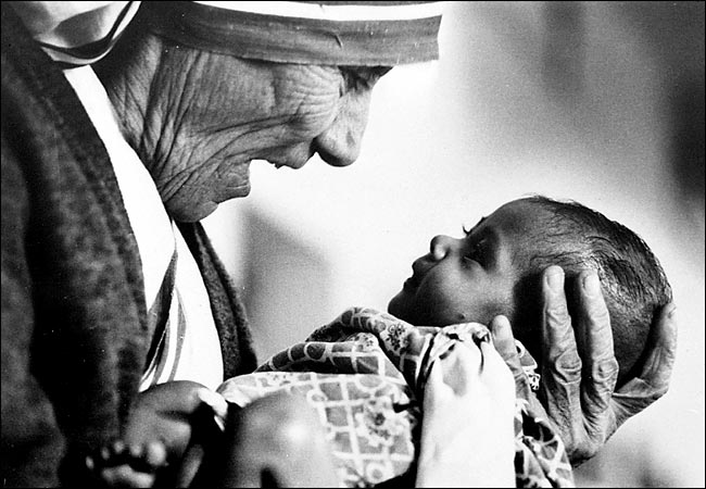 Eddie Adams - Mother Theresa in Calcutta - 1978