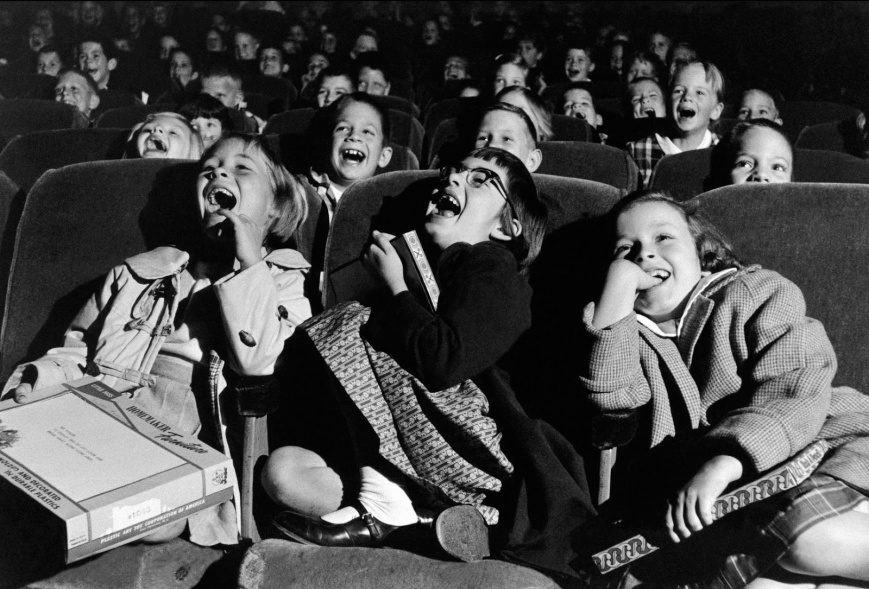 Wayne Miller - Children at the cinema - 1958
