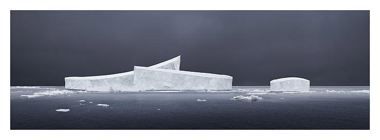 45_mid-day-grey-_antarctica_20