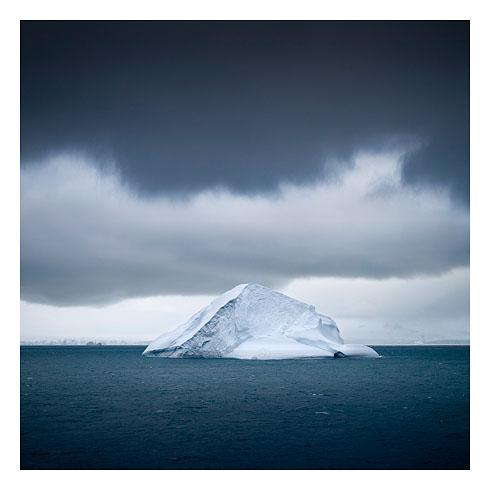 62_iceberg near deception island 2008