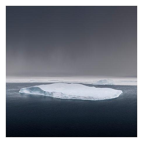 63_grounded iceberg, snow hill island 2008