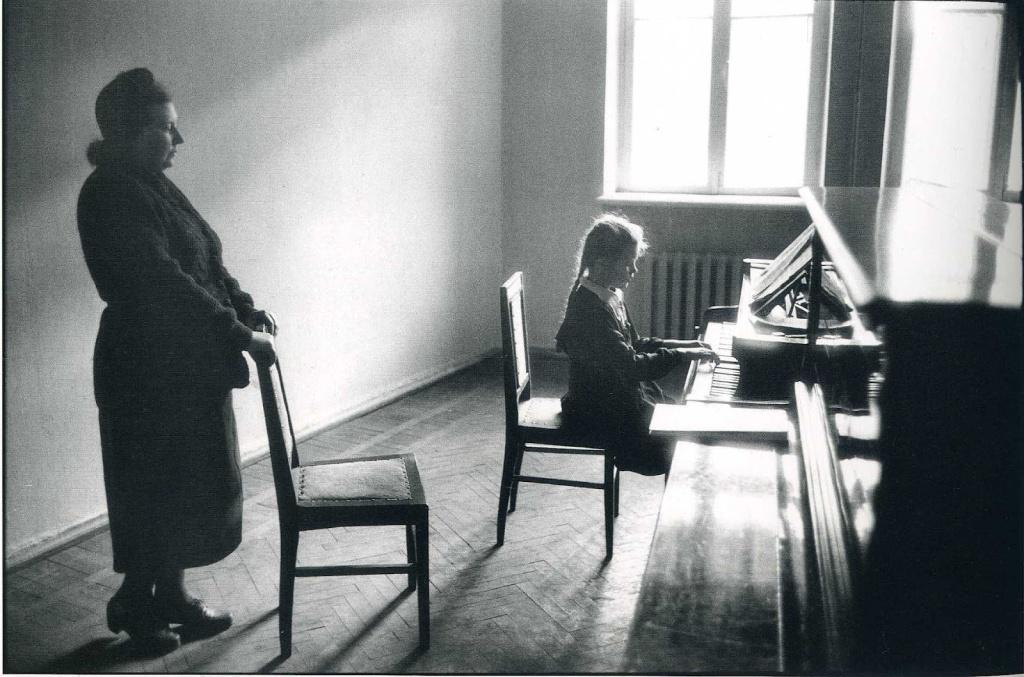 Elliott Erwitt - Odessa - USSR - 1957
