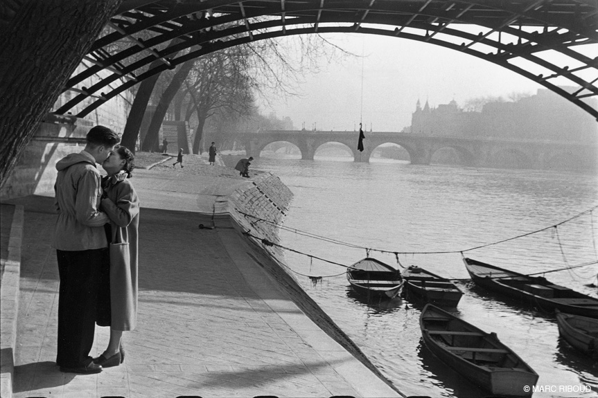 Marc Riboud - Pont des Arts - Paris - 1953
