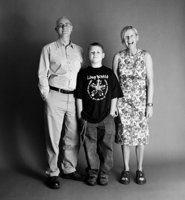 The-Family-by-Zed-Nelson-2001-634x686