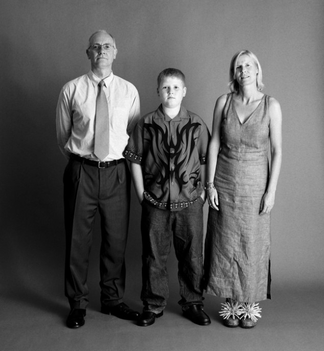 The-Family-by-Zed-Nelson-2002-634x686