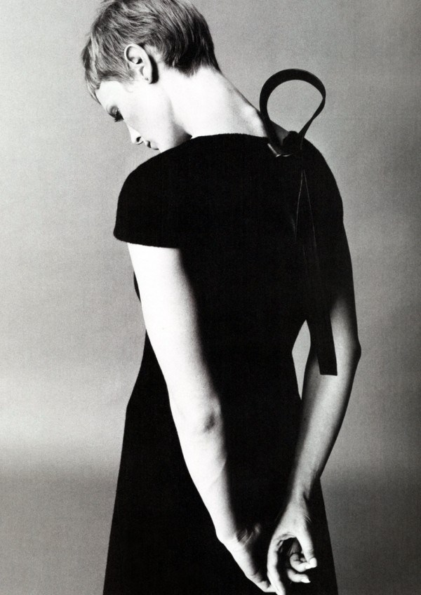 mia-farrow-by-richard-avedon-600x848