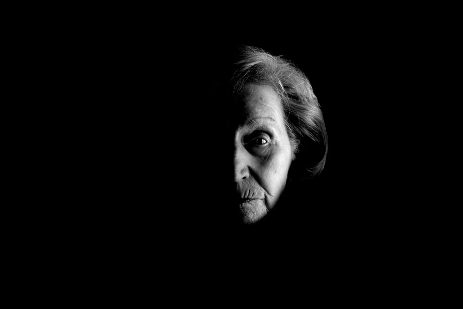 Zofia Posmysz, KL Auschwitz-Birkenau and KL Ravensbruck survivor