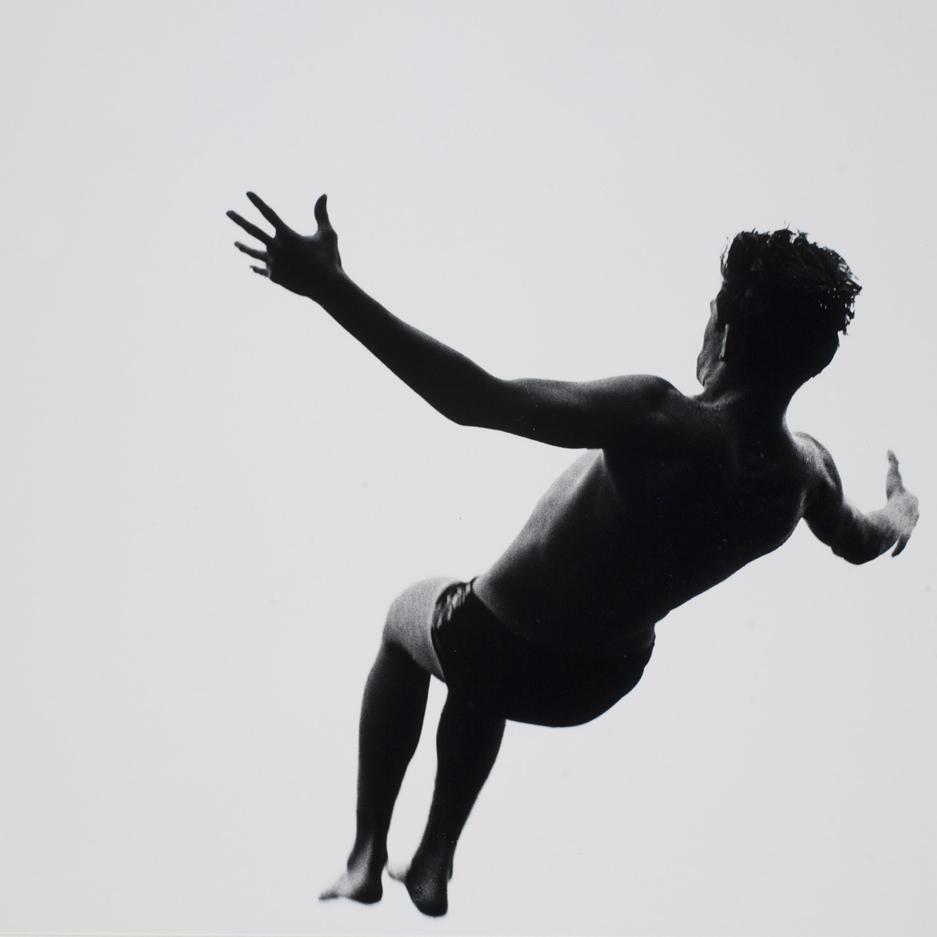 aaron_siskind_levitation05