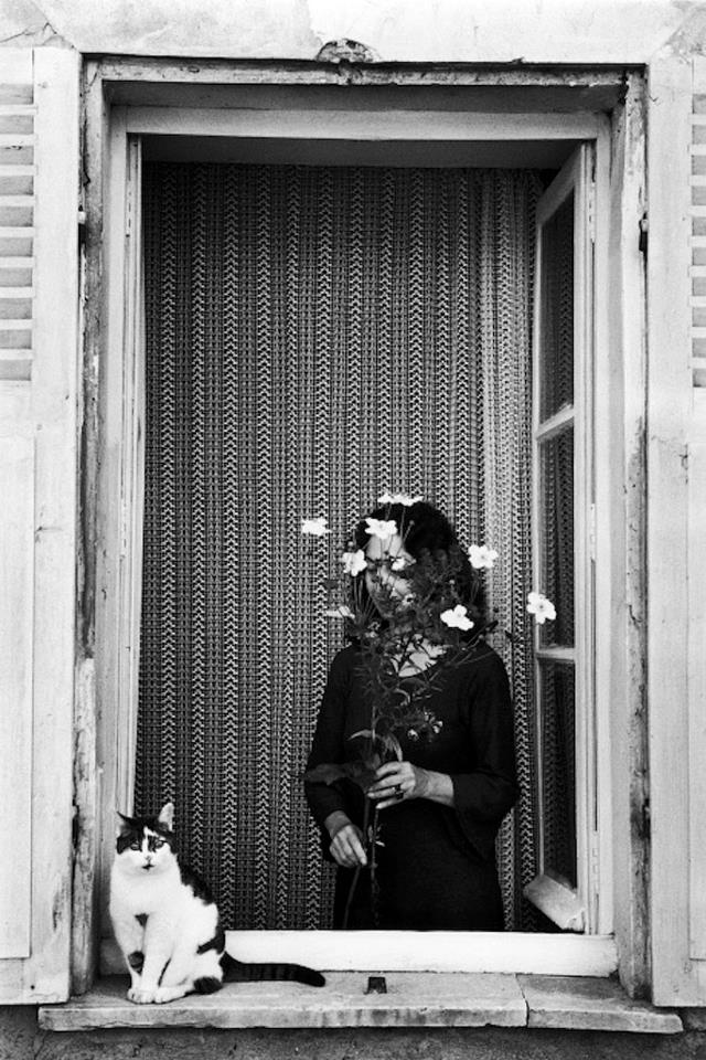 Edouard Boubat - Devant la fenetre