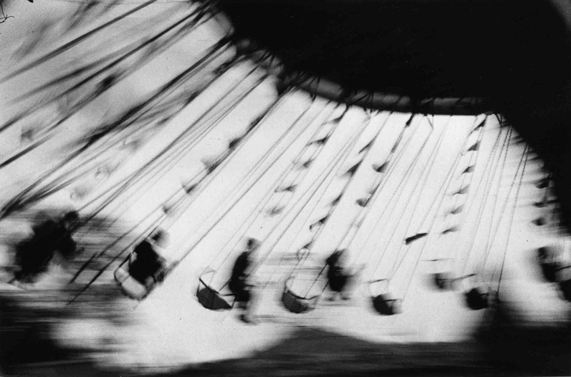 Ernst Haas - London festival garden ostende - 1950