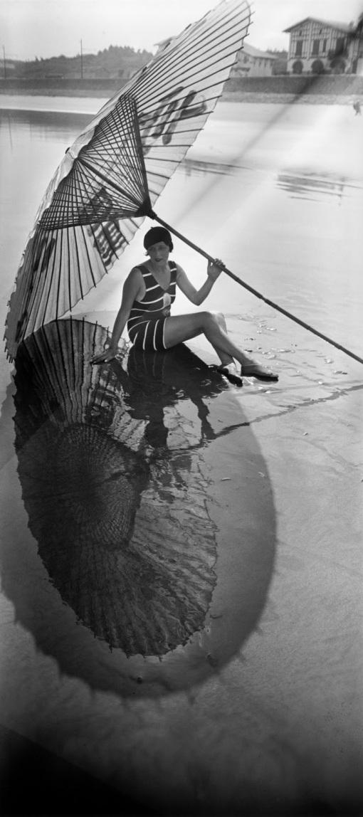 Jacques Henri-Lartigue - Bibi sombra y reflejo - Hendaya - Agosto 1927