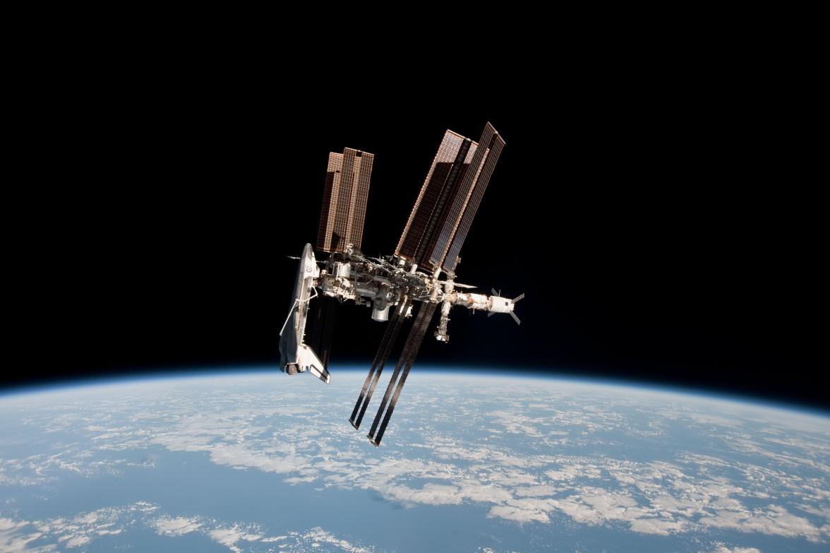 Endeavour acoplado a la ISS (desde una Soyuz)