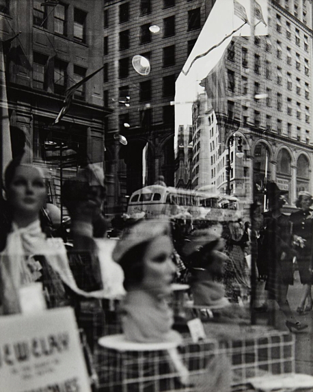 lisette-model-fifth-avenue-new-york-reflections-1939-1945