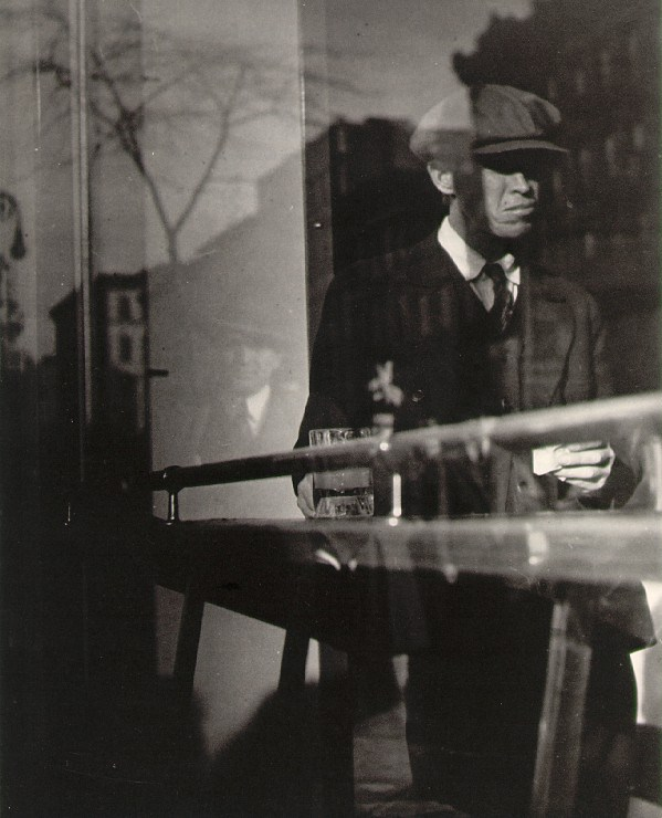 lisette-model-reflection-new-york-delancey-street-1940-1950