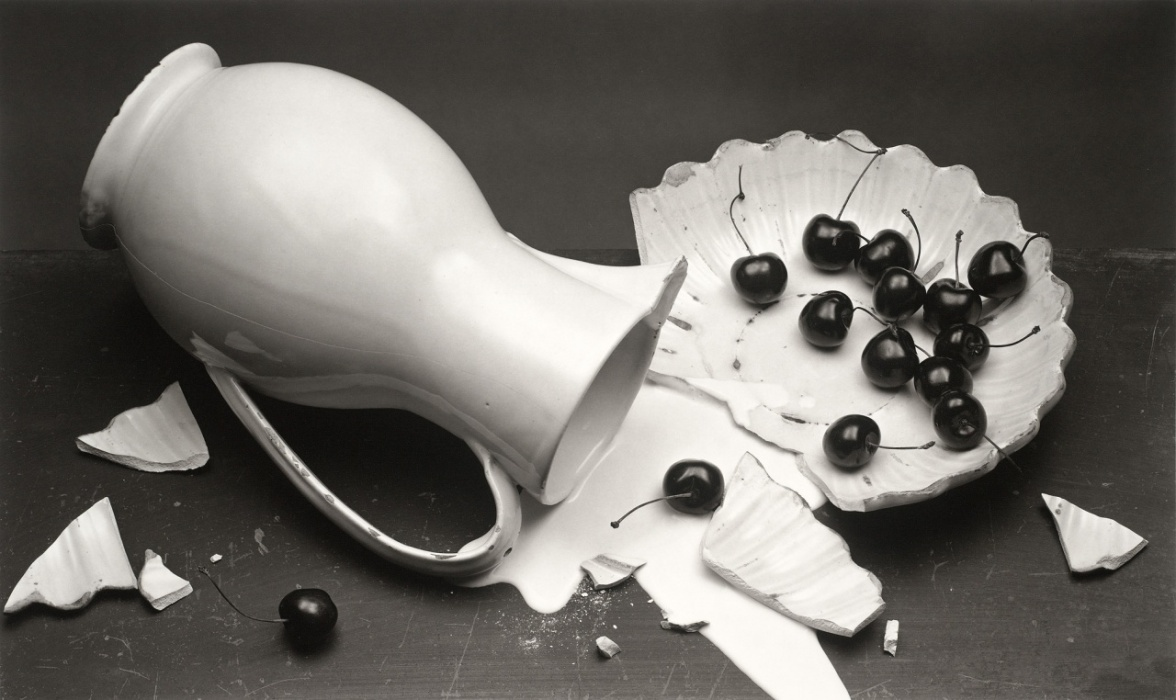 Irving Penn - The fallen pitcher