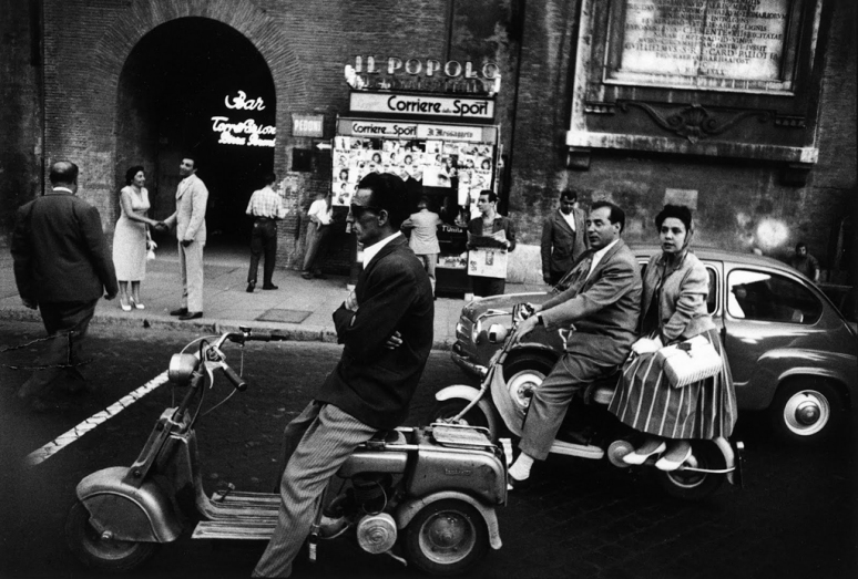 william-klein-il-semaforo-rosso-le-feu-rouge-rome-1956