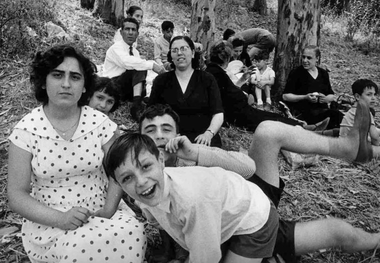 william-klein-picnic-rome-1956