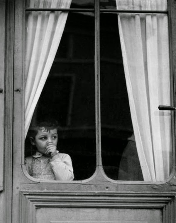 Paul Strand - Child at a window - 1950