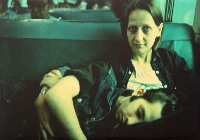 Nan Goldin - Suzanne and Philippe on the train, Long Island, NY, 1985