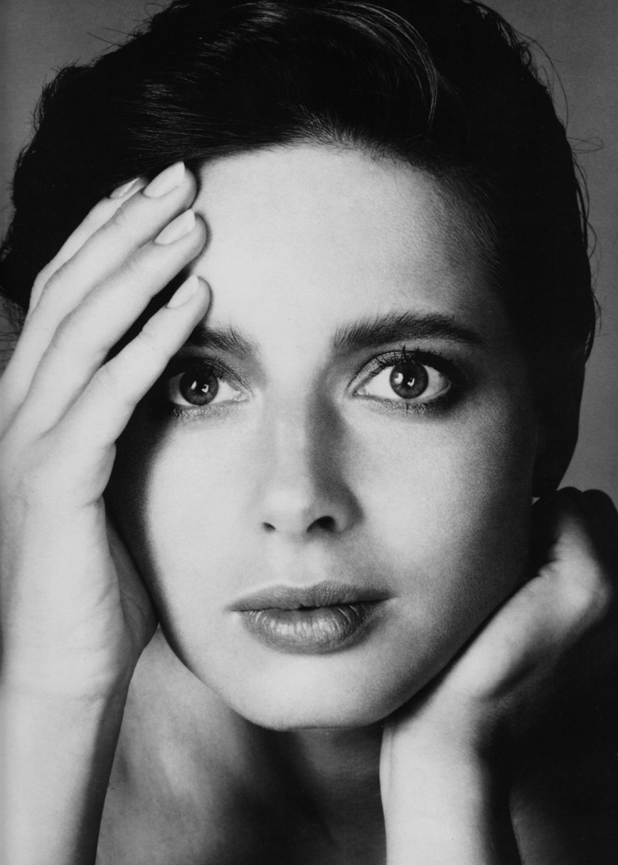 richard-avedon-isabella-rossellini-vogue-1982